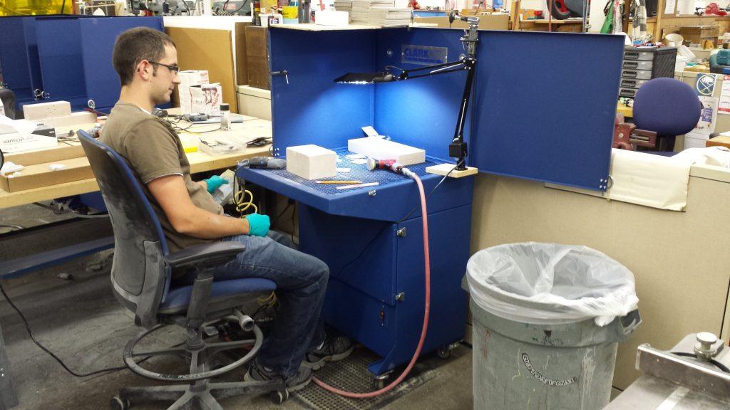 Mini downdraft workstation bench